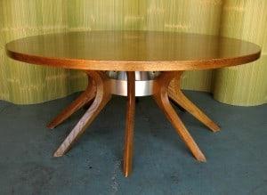 Broyhill Brasilia Coffee Table With Inlaid Top
